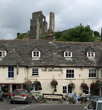 The-Greyhound-Inn-Corfe-Castle